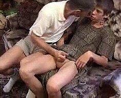 Vidéos d'inceste pour hommes # 10 - 4 vidéos de papa excitant jouant avec son fils