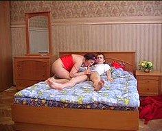 Part1.Son utilise un moment opportun pour séduire sa mère sexy