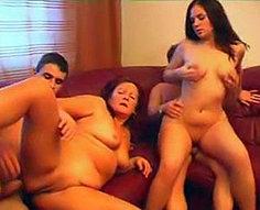 Vidéos de l'orgie de l'inceste de la famille # 9
