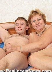 Profitez de regarder un contenu étonnant représentant des orgies de jus inceste dans un hôtel