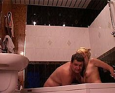 Perverted father goes wild with his blonde daughter in the bath