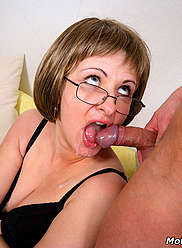 Son shoots cum in the twat of a naughty momma
