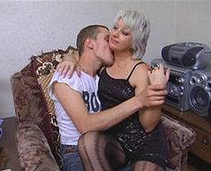 HOME INCEST ORGIES - Vidéos de sexe en famille # 3