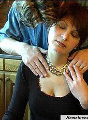 Backrobe sexy se termine par lécher et baiser