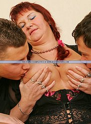 Maman le prend de tous ses fils