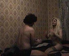 Horny brother convainc sa soeur de jouer au strip poker et la baise