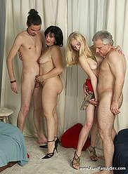 La fête de l'anniversaire de papa se transforme en une orgie familiale foursome