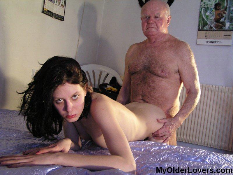 лысый старик трахает молодую девушку фото даже самых неожиданных
