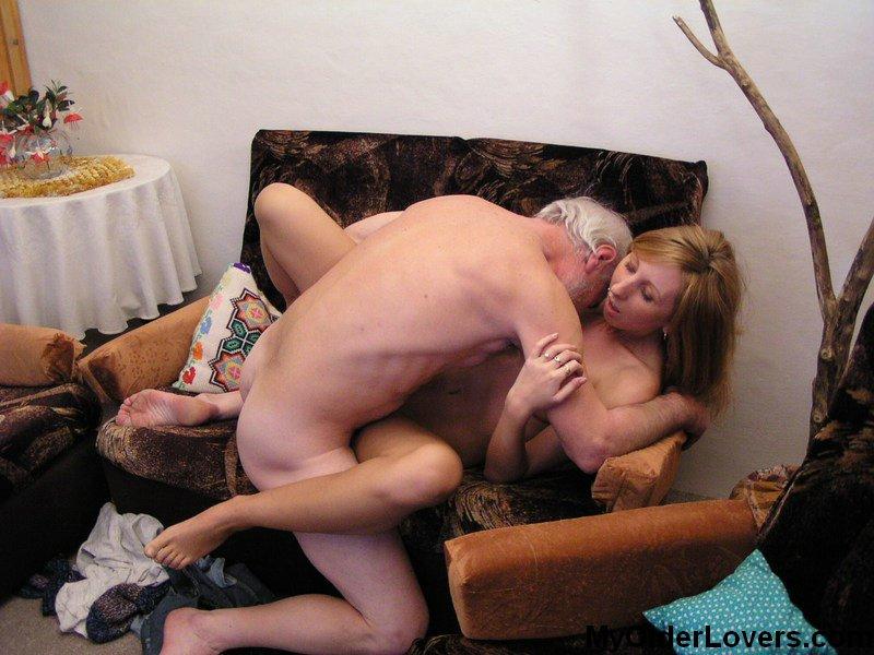 Эро фото молодых пышек любящих секс со стариками