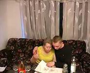 Drunk Inceste vidéo 1 | Eager fils divise la chatte de sa grosse maman