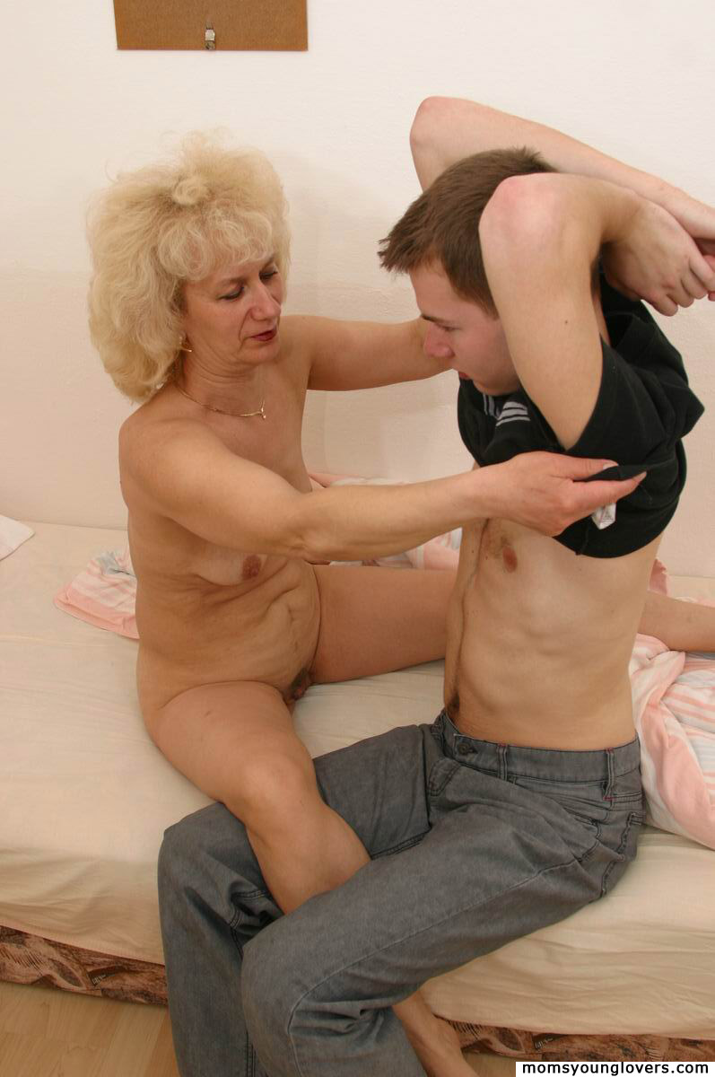 Recommend mature mom and son porn pics