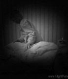 Vidéo de pénétration de nuit # 8 - Une soeur excitée se glisse dans la chambre de son frère et fait plaisir à sa bite raide