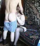 Mère méchante vient rendre visite à son fils et le séduit