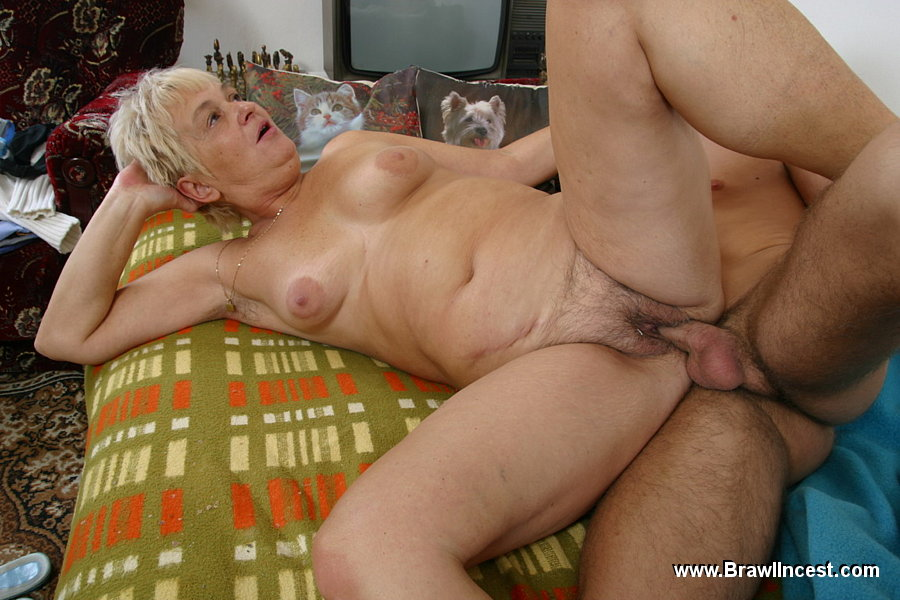 A good family blowjob 1