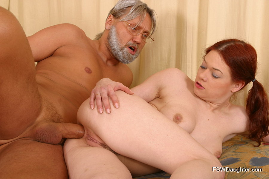 Gray-haired kink sticks his fat dick into his gingerhead ...